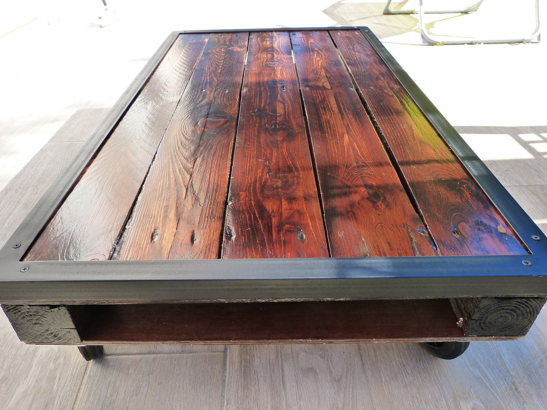Faire une table basse en palette - Table en palette bois ...